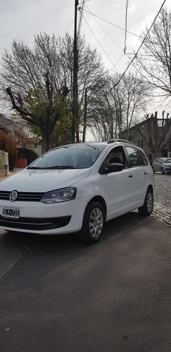 Imagen 1 de 8 de Volkswagen Suran 2014 1.6 Comfortline 101cv