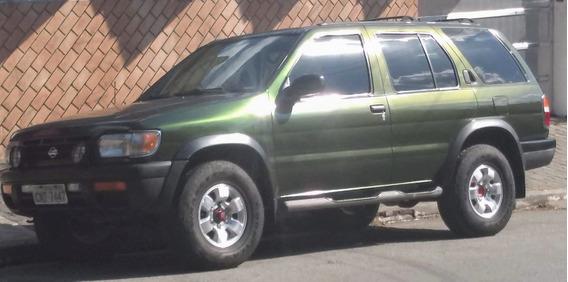 Nissan Pathfinder 3.0 Se