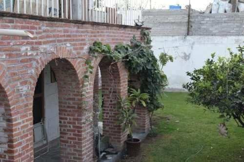 Casa Dúplex Con Dos Locales En Venta En Santa Rosa Jáuregui