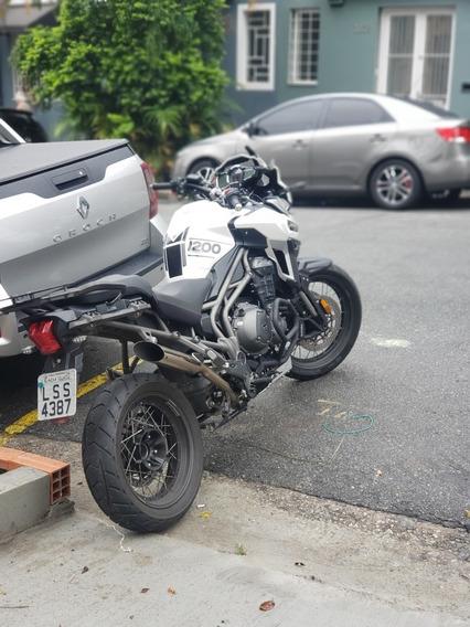 Triumph 1200 Xcx