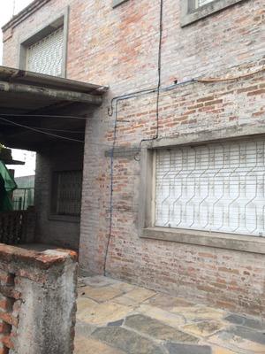 2 Casas En Un Padron Vacia Y Alq. Zona Comercial Ideal Renta