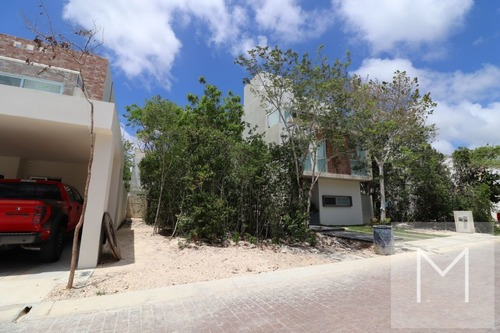 Terreno En Venta En Aqua 2da Fase Cancun