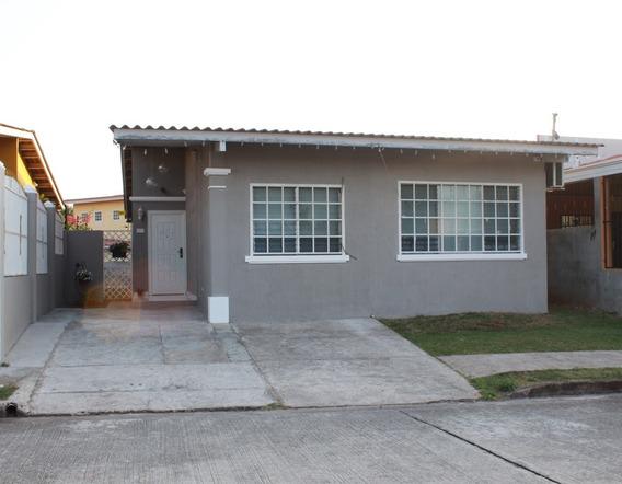 Vendo Amplica Casa En Altos De Las Praderas De San Antonio