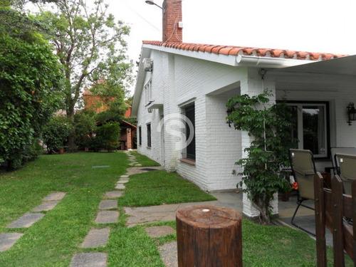 Casa Ubicada En Playa Mansa 6 Dormitorios- Ref: 4084