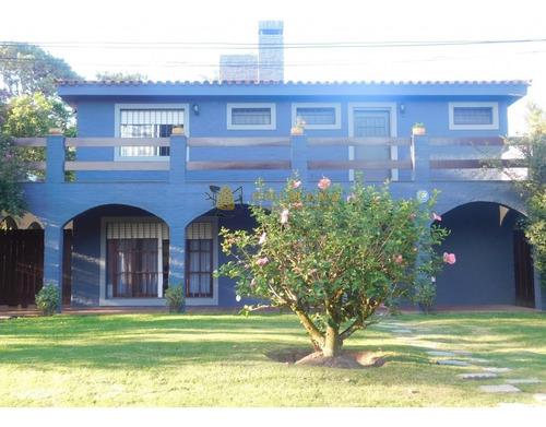 Casa En Venta De 5 Dormitorios En San Rafael- Ref: 4572
