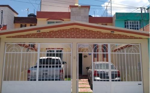 Casa De 149 M2 De Terreno,3 Recamaras,2.5 Baños