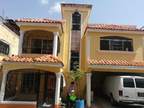 Amplia Casa De 3 Niveles En Vista Hermosa