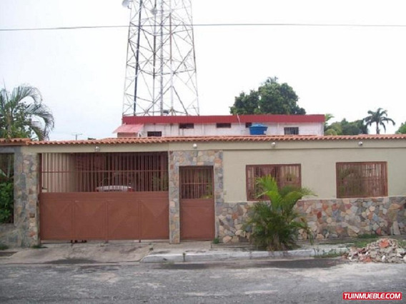 Casa En Venta En La Urb. San Bernardo, San Joaquin,16-50007