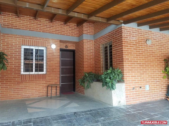 Yosmar Muñoz Vende Townhouses En Mañongo Math-148