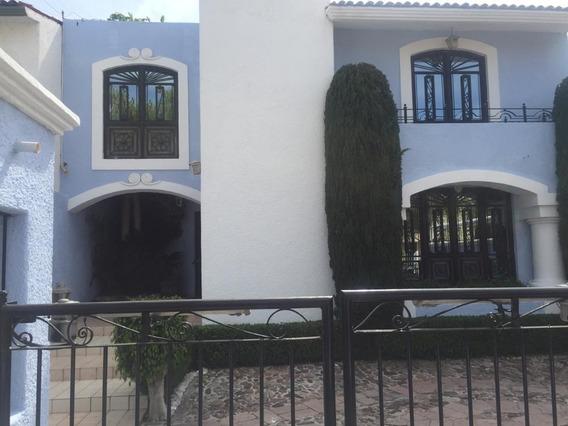 Se Renta Hermosa Casa Colonial Moderna