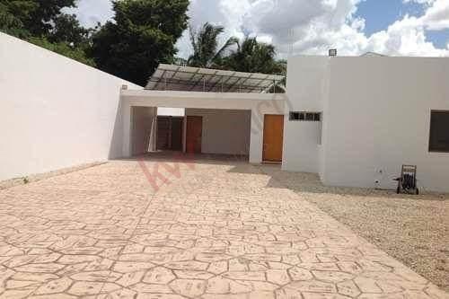 Casa En Venta Col. Maya