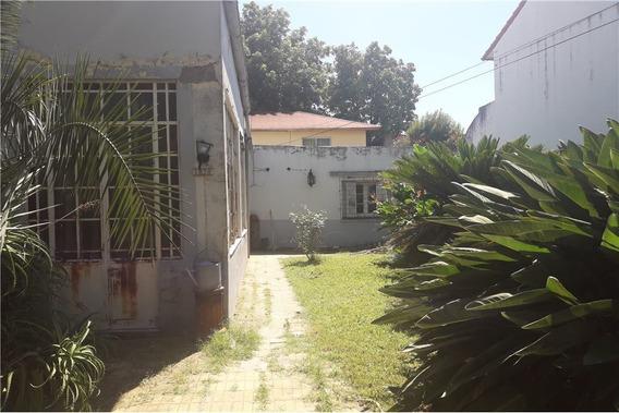 Casa Antigua A Reconstruir Sobre Lote De 487m2