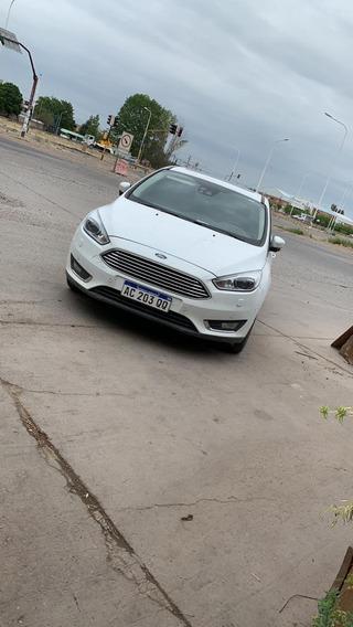 Ford Focus Titaniun 2.0