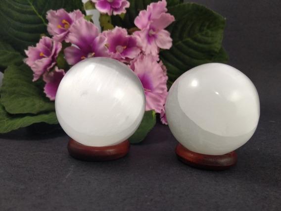 Duas Esferas De Selenita Para Limpeza Tamanho 4,5 Cm