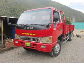 Camión Jac Rojo 2010