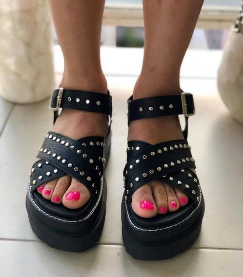 Sandalias Con Plataforma Y Tachas - Moda Mujer Verano 2020