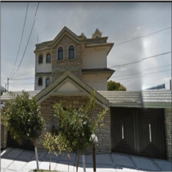 Casa Con Cuatro Habitaciones En Valle Dorado