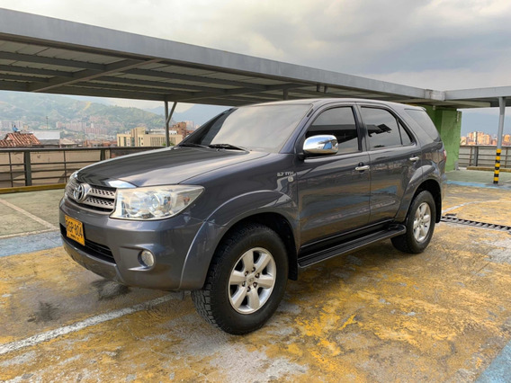 Toyota Fortuner 2011 At 2.7 Wti 4x2