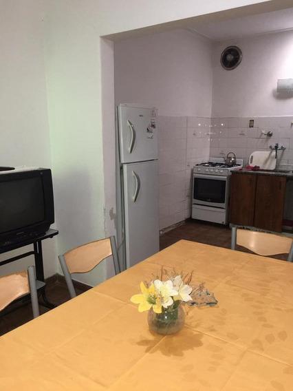 Ph 2 Dormitorio, Parrilla Y 60 Mts 2-valor Publicado Incluye Todos Los Servicios - La Plata