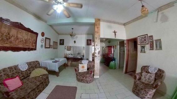Casa En Venta En Acarigua La Goajira 20-9310 Mf