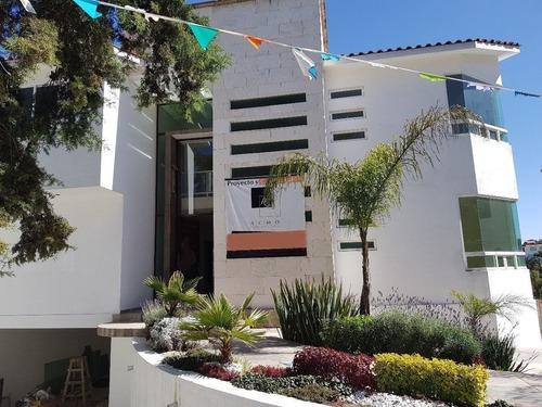 En Venta Casa En Loma De Valle Escondido, Atizapan.