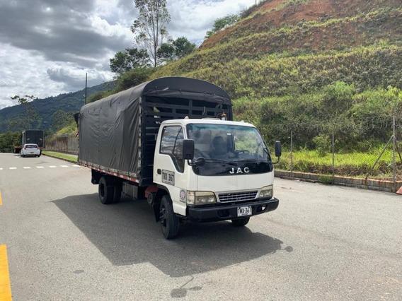 Camión Jac Estacas Metálicas