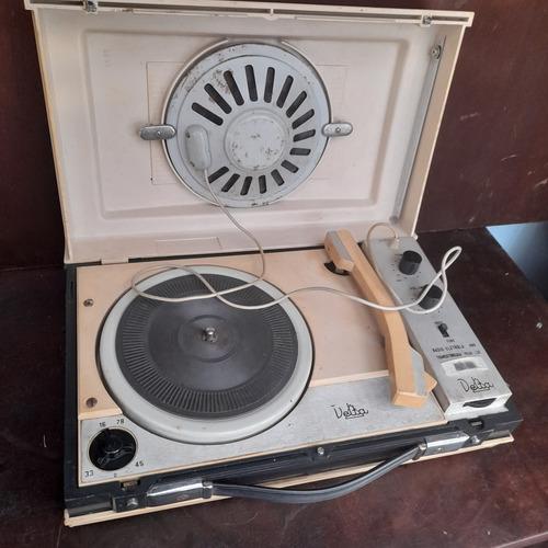 Imagem 1 de 9 de Vitrola Antiga Delta Sem Testar Pra Decoração Ou Peças.