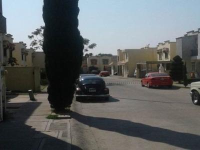 Casa 4 Recamáras Una Planta Baja, Cerca Avenidas Importantes De Comunicación 15 Minutos Plaza Mayor