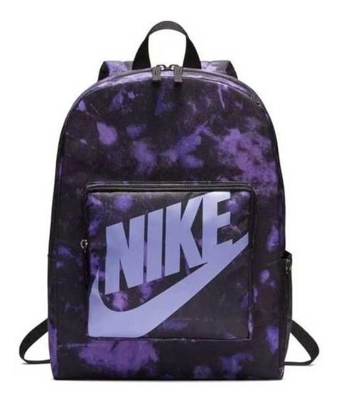 Mochila Nike Classic. Violeta