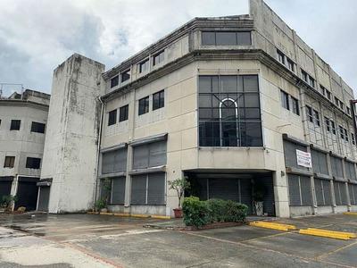 Edificio Comercial En Alquiler En La 27 De Febrero