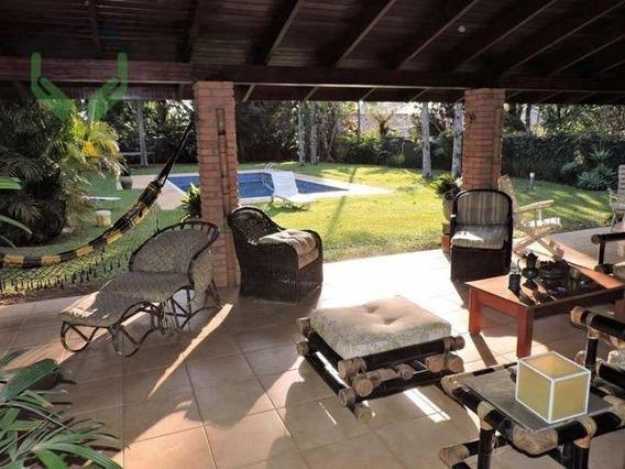 Casa Térrea Com Lareira, Amplos Jardins, Piscina E Gourmet - Ca0518