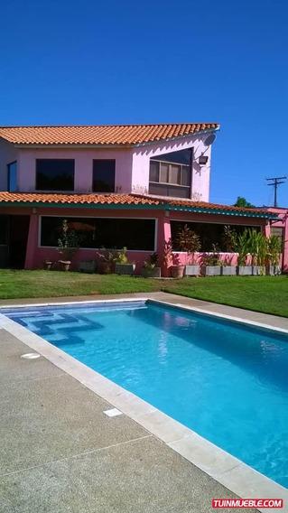 Casas En Venta Canales De Rio Chico