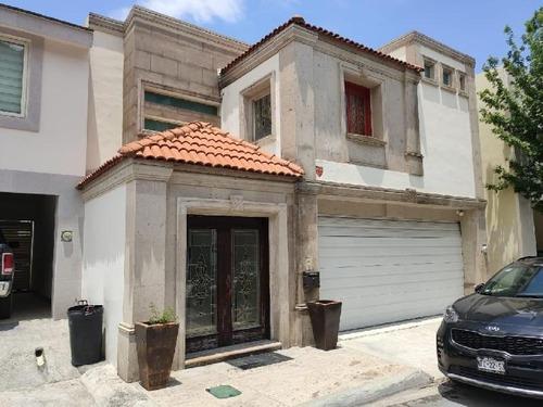 Casa En Renta Col. Privanzas, Valle Ote, Garza Garcia, N.l.
