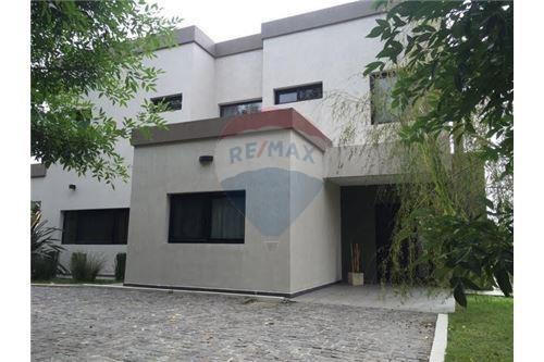 Excelente Casa En Haras Del Sur-lote De 1250 Mts.