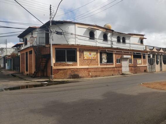 Venta De Casa Y Local En Los Godos Ve02-004sLG-jv