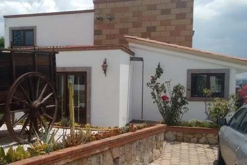 Hermosa Residencia En Venta Ubicada En Villas Del Meson Juriquilla