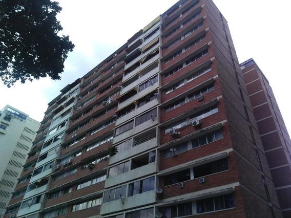 Apartamento En Venta,campo Alegre,caracas,mls #20-13430