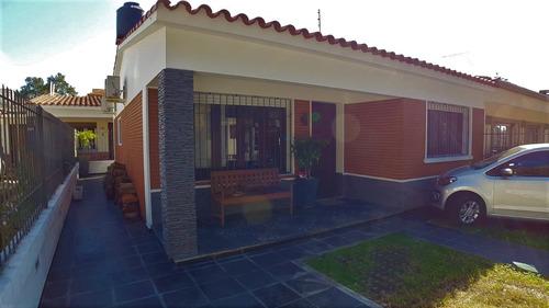 Venta Casa La Blanqueada 2 Dormitorios 2 Baños Barbacoa