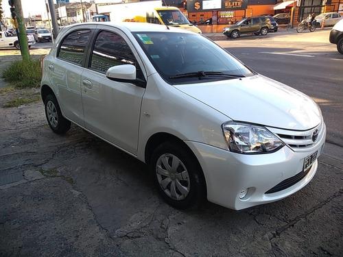 Toyota Etios 1.5 Xs 2016 5 Puertas Nafta 44592577