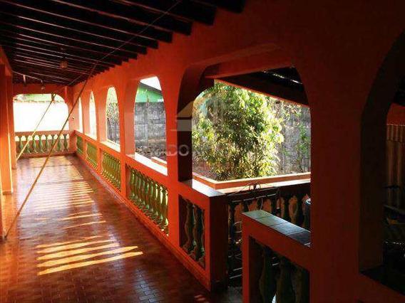 Casa Avarandada, Em Serrana No Bairro Boa Vista - V26400
