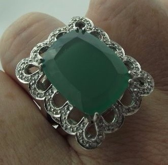 Anel Grande Ouro Branco 18k C/ Jade E Diamantes 14,25 Gramas