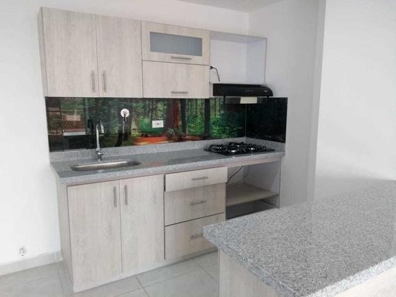 Venta Apartamento Con Patio En Rosales