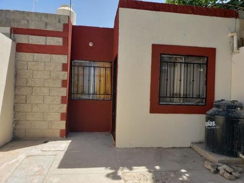 Imagen 1 de 9 de Casa Sola En Venta Loma Real Ii