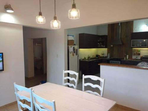 Casa Actualizada - Venta - Castelar Norte - Toma Propiedad Permuta