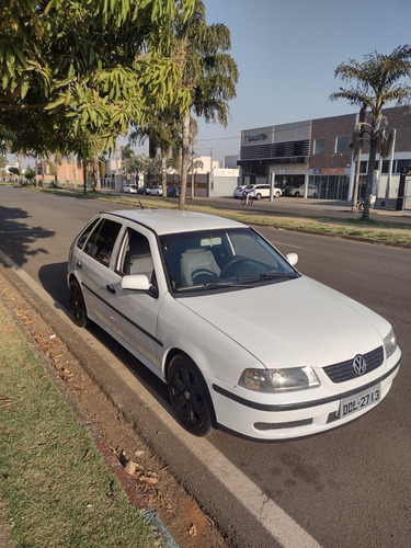 Imagem 1 de 11 de Volkswagen Gol 2001 1.8 5p