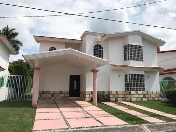 Excelente Casa En Lomas De Cocoyoc
