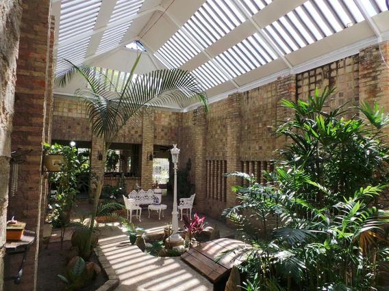 Casa Quinta Venta Urb El Castaño Maracay Mls 20-12898 Jd