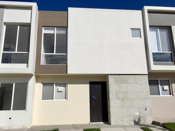 Casa En Renta En Zakia, El Marques, Rah-mx-20-3807