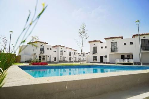 Preciosa Casa En Juriquilla San Isidro, 3 Recamaras, Alberca