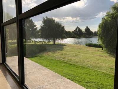 Preciosa Casa En Renta Colindante Con Lago Y Área Verde | Fracc Campanario